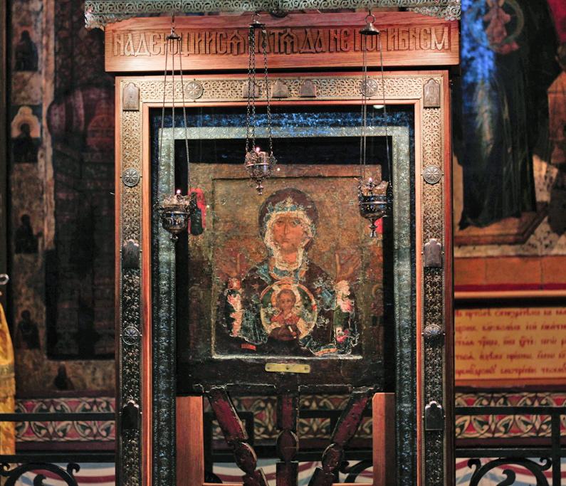 Новгородская икона Божией Матери Знамение