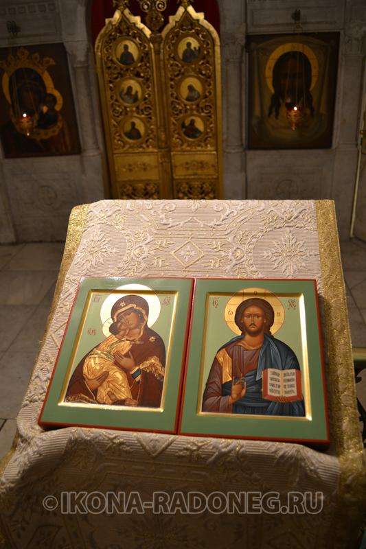 Освящение икон в Свято-Троицкой Сергиевой Лавре